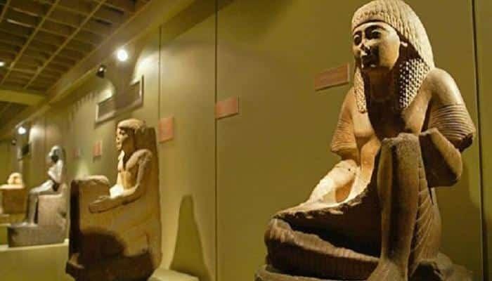 La Reine égyptienne Titi Sherry récupère ses morceaux.