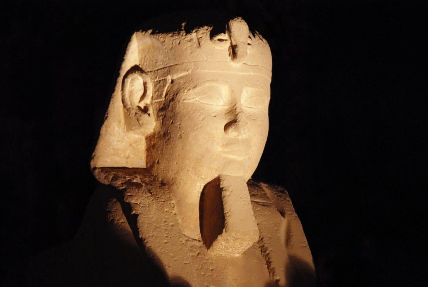 Blog - Statue Colossale de Ramsès II au Temple de Louxor